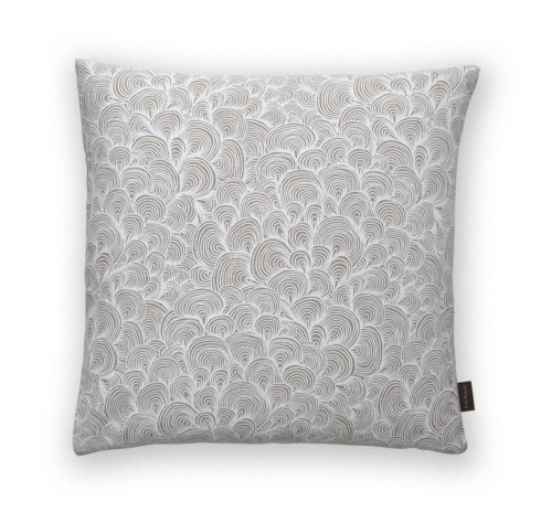 Ibiza_coral_white_cushion